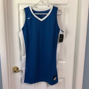 NWT - 65% OFF - Nike Women's Basketball Top